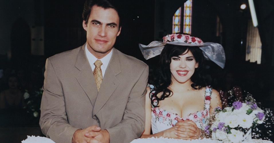 Carlos Casagrande e Bárbara Paz são Rodrigo e Marisol em