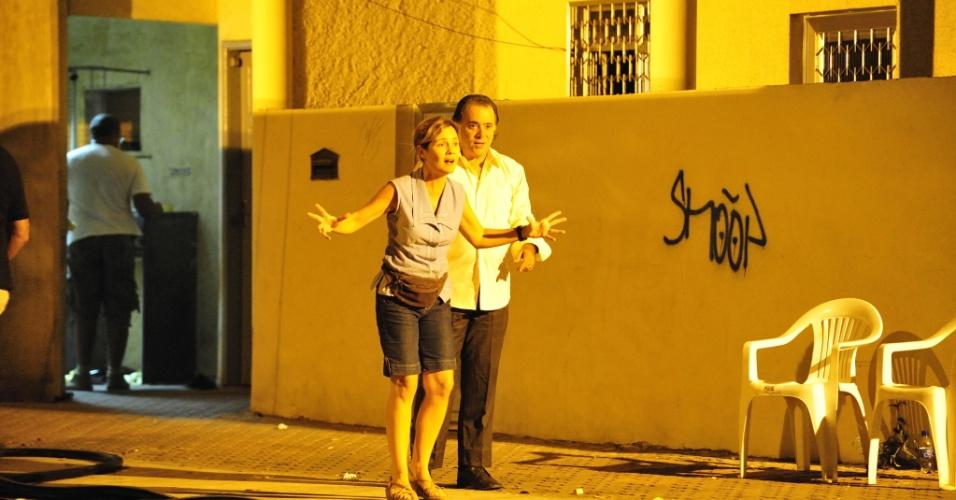 """Tony Ramos e Adriana Esteves gravam as primeiras cenas da nova novela das nove """"Avenida Brasil"""", da Globo, no centro do Rio de Janeiro. A trama irá substituir """"Fina Estampa"""" e está prevista para estrear dia 26 de março (1/3/12)"""