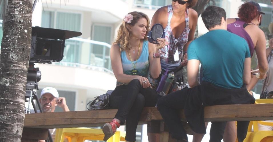 """Leandra Leal e Ricarto Tozzi gravam cenas de """"Cheias de Charme"""" na praia da Macumba, zona oeste do Rio (8/3/2012). A próxima novela das 19h da Rede Globo, Leandra  interpreta uma empregada doméstica"""
