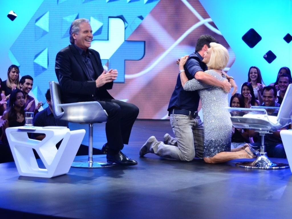 Hebe Camargo e Rodrigo Faro participam da primeira edição do talk show ?Roberto Justus +?, que discute a temática