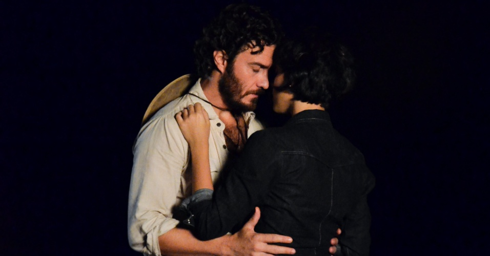 """Gabriel Braga Nunes e Letícia Persiles em cena de """"Amor Eterno Amor"""" (16/3/12)"""