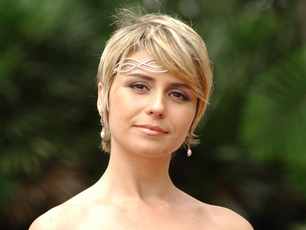 Giovanna Antonelli como Bárbara em