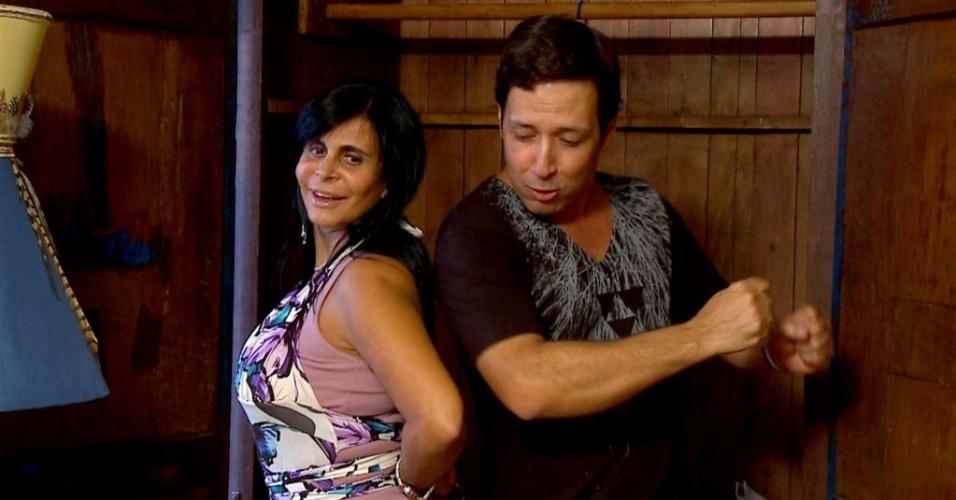 Gretchen e o stylist Wesley Sathlere em cena de
