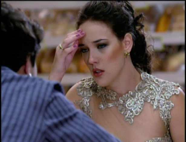 Antenor conta para Patrícia que Griselda foi sequestrada e pede para que ela o leve até o lugar em que ele foi sequestrado