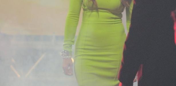 Jennifer Lopez chegou nos estúdios da Record sob forte esquema de segurança (26/3/2012)