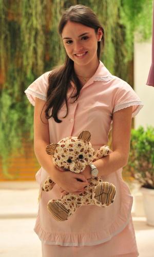 Maria Aparecida (Isabelle Drummond) será a empregada doméstica da ...