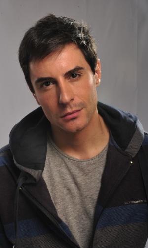 Ricardo Tozzi é Inácio