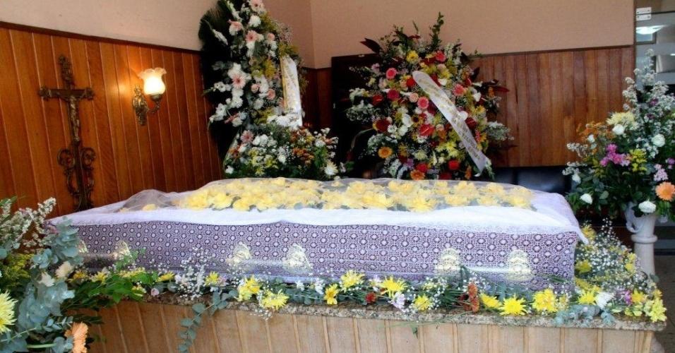 Famosos se despedem de Marly Bueno no Rio de Janeiro
