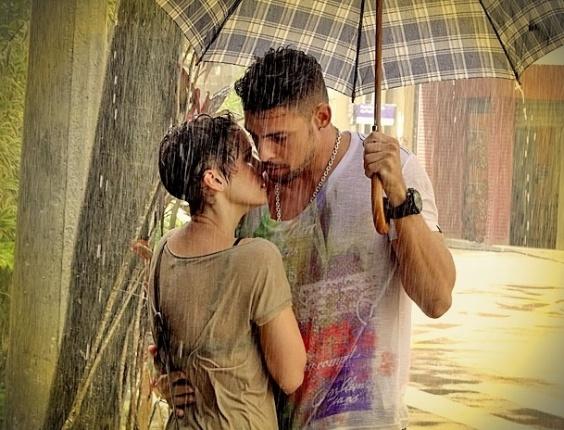 """Nina e Jorginho quase se beijam em """"Avenida Brasil"""" (13/4/12)"""
