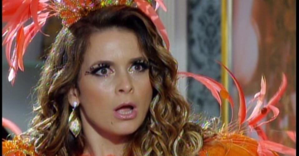 Enquanto isso, Chayene descobre que seu vestido foi queimado por Maria da Penha