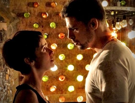 """Em """"Avenida Brasil"""", após noite de amor, Jorginho pede Nina em namoro (18/4/12)"""