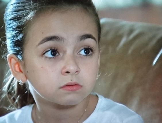 """Em """"Amor Eterno Amor"""", Clara revela que filho de Valéria não vai se parecer com Rodrigo"""