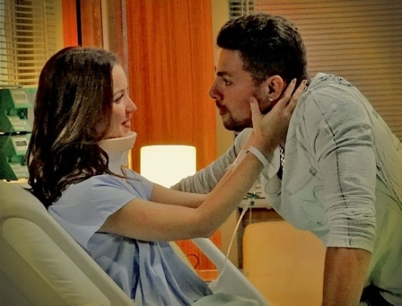 Em &#34;Avenida Brasil&#34;, D&#233;bora decide morar com Jorginho (23/4/12)