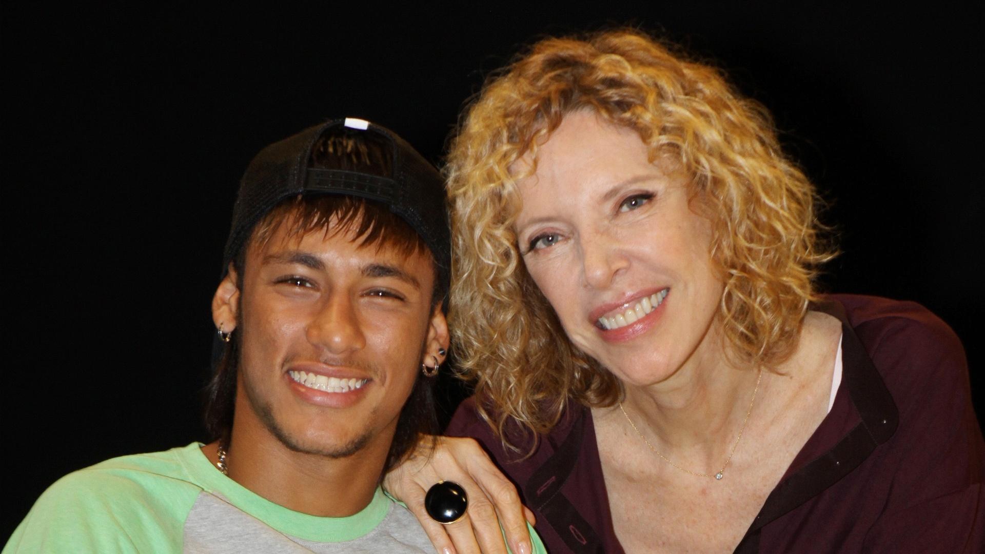 Marília Gabriela entrevista o jogador de futebol Neymar no