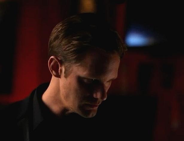 """O vampiro Eric (Alexander Skarsgard) em cena da quinta temporada de """"True Blood"""" (2012)"""