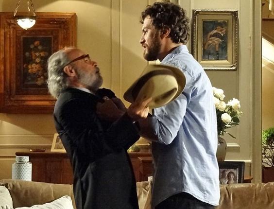 """Osmar Prado e Gabriel Braga Nunes em cena de """"Amor Eterno Amor"""" (5/4/2012)"""