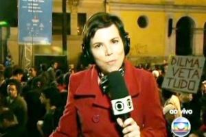 """Manifestantes contrários ao Código Florestal mostram faixas em link ao vivo do """"Jornal Nacional"""""""
