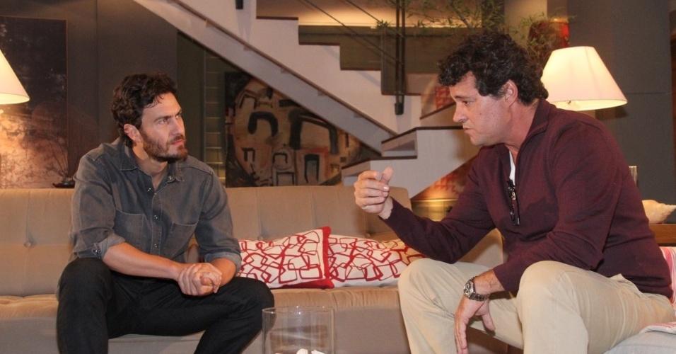 O personagem de Gabriel (Carlos/Rodrigo) vai falar com o de Felipe Camargo (Gabriel), que vive um médico, sobre a gravidez de Valéria (Andrea Horta). Ele desconfia não ser o pai da criança, após insinuações feitas por Melissa (Cássia Kiss). A cena, a de número 74 da trama, deve ser exibida no dia 29 de maio