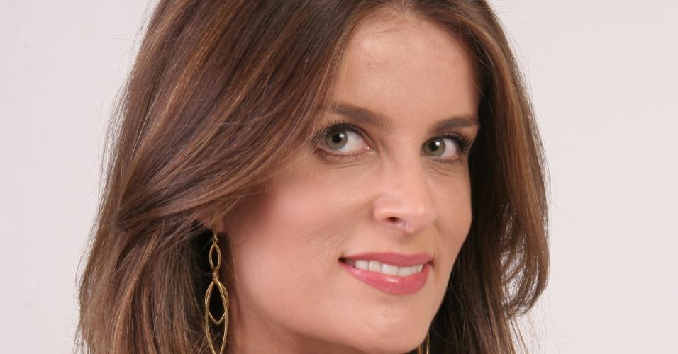 """Em """"Carrossel"""", Adriana Del Claro é Clara Medsen"""