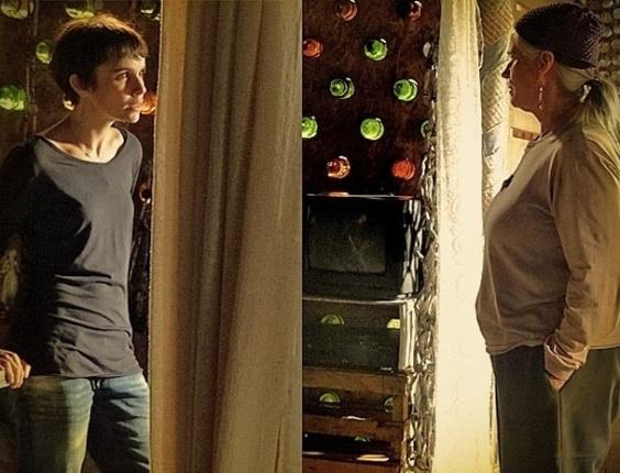 """Em """"Avenida Brasil"""", Lucianda diz a Nina que Carminha tem história parecida com a dela (31/5/12)"""