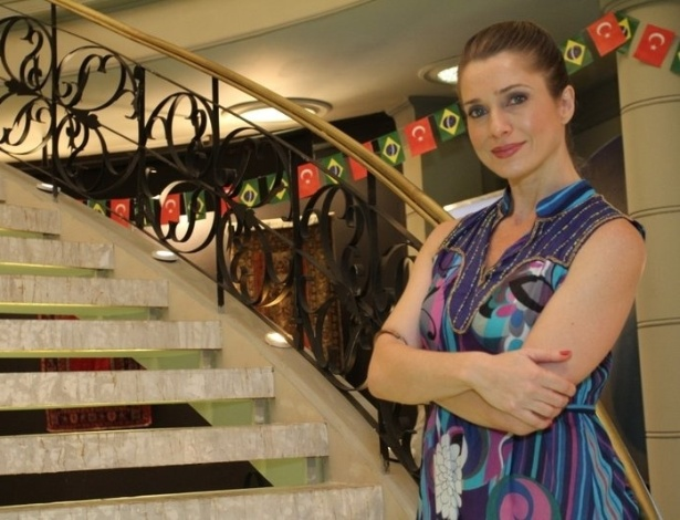 A atriz Let&#237;cia Spiller participa do workshop para a novela &#34;Salve Jorge&#34; (6/6/12). O encontro aconteceu no Projac, zona oeste do Rio