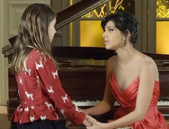 """Em """"Amor Eterno Amor"""", Clara pede para Miriam salvar Rodrigo de Elisa"""