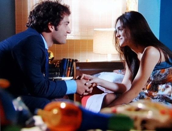 """Em """"Cheias de Charme"""", Cida se muda para a casa de Penha e Elano comemora (19/6/12)"""
