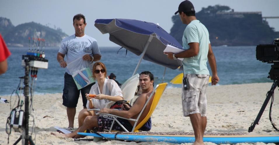 """Os atores Marcelo Faria e Laila Zaid gravaram cenas da novela """"Amor Eterno Amor"""" em uma praia da zona sul do Rio (25/6/12). Na trama das seis. eles interpretam os advogados Kleber e Priscila, respectivamente"""