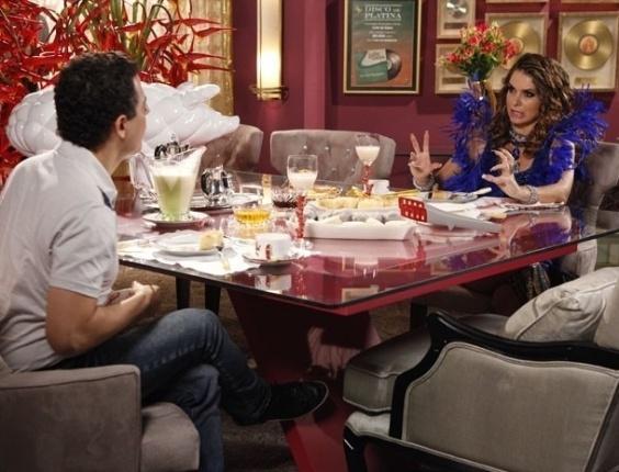 """Em """"Cheias de Charme"""", em entrevista, Chayene anuncia que tem surpresa para Empreguetes (3/7/12)"""