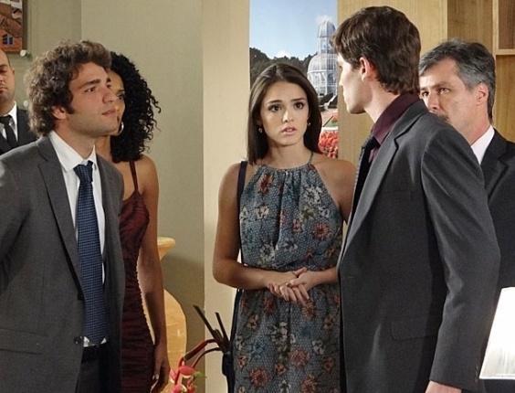 """Em """"Cheias de Charme"""", Elano coloca Conrado em seu lugar e se declara para Cida (10/7/12)"""