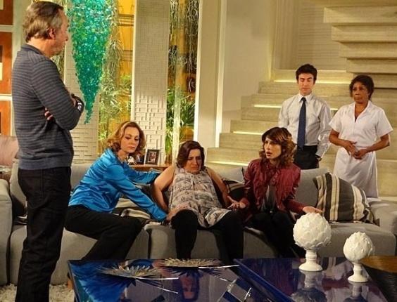 """Em """"Cheias de Charme"""", falido, Sarmento anuncia que filhas terão que trabalhar (17/7/12)"""