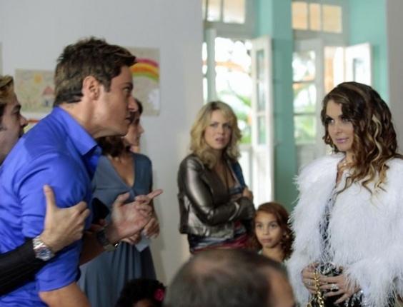 """Em """"Cheias de Charme"""", Chayene anuncia gravidez e deixa Fabian em choque (18/7/12)"""