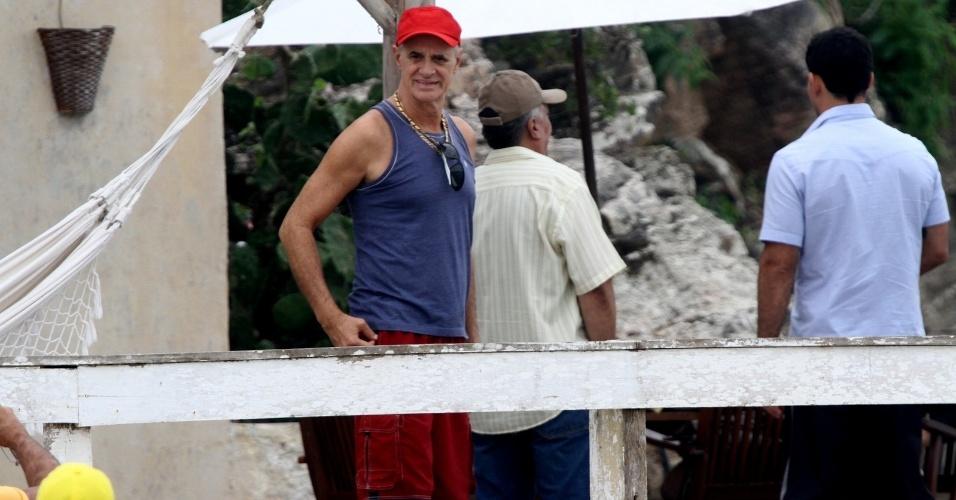 """Marcos Caruso gravou cenas de """"Avenida Brasil"""" em Cabo Frio, região dos lagos do Rio (18/7/12)"""