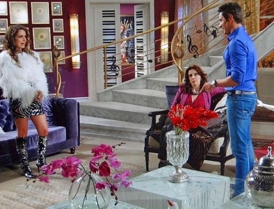 Fabian vai até a mansão de Chayene tirar a limpo história de gravidez (19/7/12)