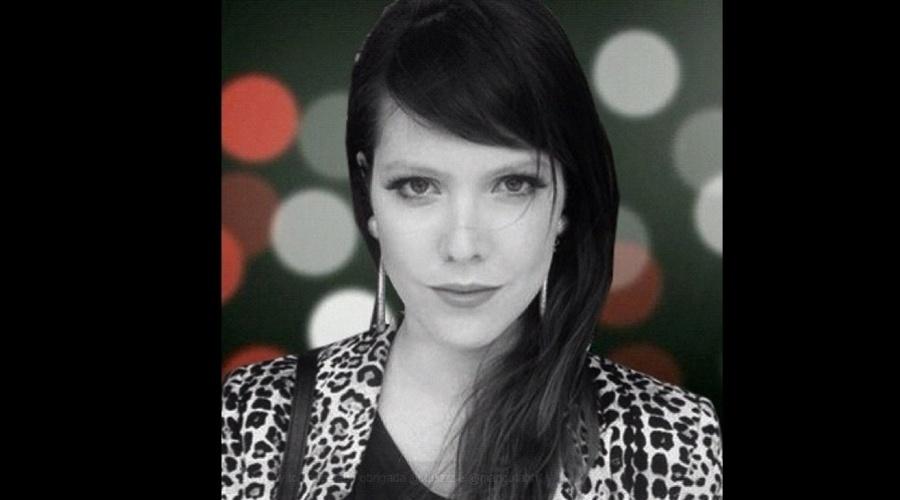 """Jana Rosa divulgou imagem de paródia de cena final de """"Avenida Brasil"""" (19/7/12). Na foto a VJ da MTV aparece """"congelada"""" tal qual os personagens da trama de João Emanuel Carneiro. Aprenda como fazer no link ao lado"""