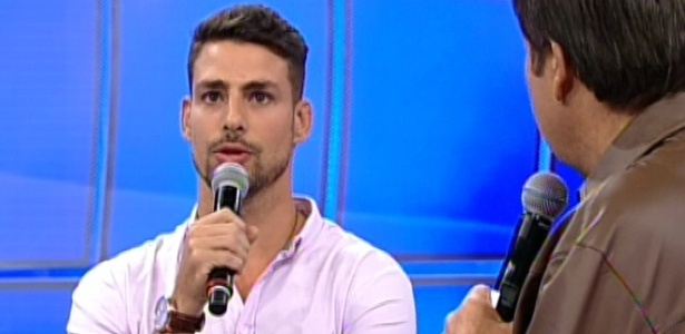 Cauã Reymond participa do Domingão do Faustão (22/7/12)