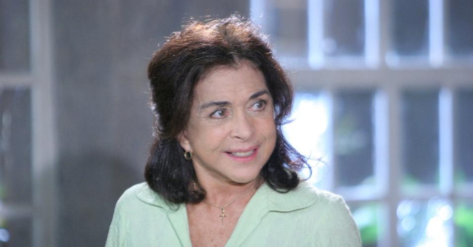 """Betty Faria em cena da novela """"Uma Rosa Com Amor"""", do SBT (2010)"""