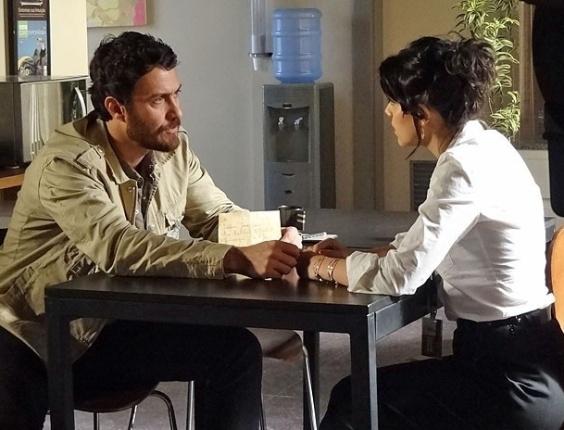 """Gabriel Braga Nunes e Letícia Persiles em cena de """"Amor Eterno Amor"""" (25/7/2012)"""
