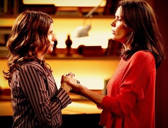 Verônica conta para Alexia que Noêmia está tendo um caso com Cadinho (26/7/12)