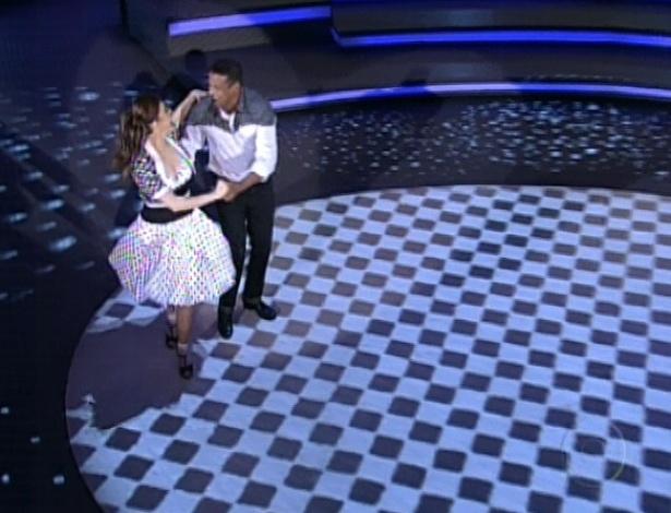 Bárbara Paz e Marcelo Chocolate dançam