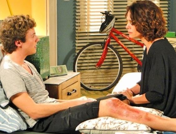 """Em """"Cheias de Charme"""", em conversa definitiva, Lygia conta para Samuel quem é seu pai (31/7/12)"""