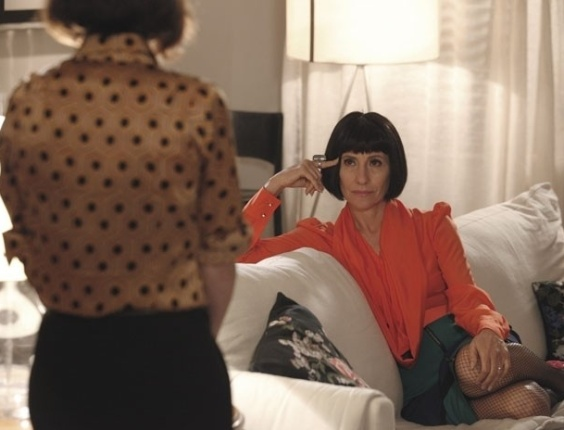 "Em ""Amor Eterno Amor"", Melissa ameaça despejar Regina (1/8/12)"
