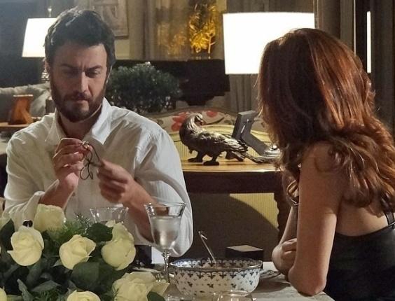"""Gabriel Braga Nunes e Mayana Neiva em cena de """"Amor Eterno Amor"""" (3/8/2012)"""