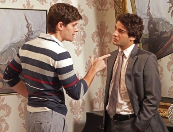 """Em """"Cheias de Charme"""", Conrado e Elano discutem por causa de Cida (6/8/12)"""