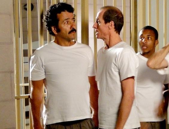 """Em """"Cheias de Charme"""", Sandro terá a companhia de Walmir na cadeia (7/8/12)"""