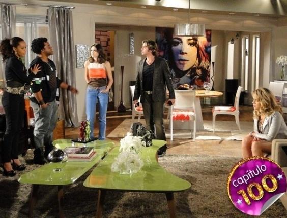 """Em """"Cheias de Charme"""",  Penha revela que foi Sandro que pirateou o DVD e o clima esquenta mais uma vez (9/8/12)"""
