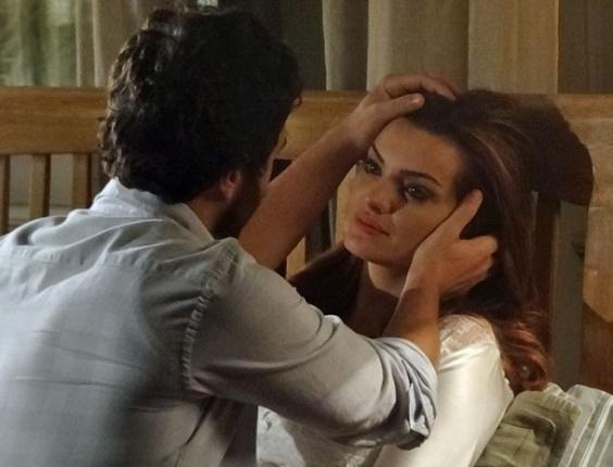 """Gabriel Braga Nunes e Mayana Neiva em cena de """"Amor Eterno Amor"""" (9/8/2012)"""