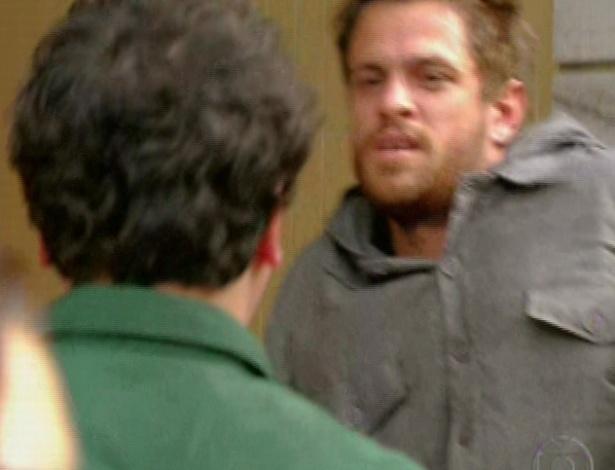 Fabiano acusa Moisés de assassino e o malandro é levado pela polícia