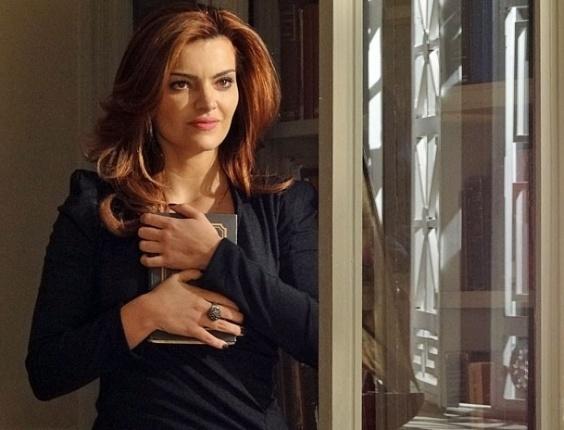 """Em """"Amor Eterno Amor"""", falsa Elisa faz montagem e coloca seu rosto ao lado de Salvador Borges em foto (13/8/12)"""