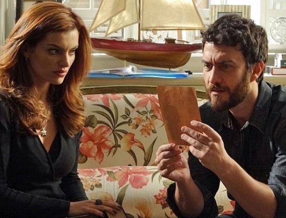 """Mayana Neiva e Gabriel Braga Nunes em cena de """"Amor Eterno Amor"""" (15/8/2012)"""